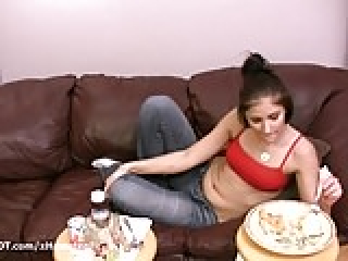 Amateur porn girl eating food before fucking boyfriend doggy