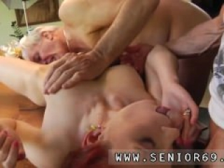 Wife fucked in amateur threesome Minnie Manga gobbles breakfast with John